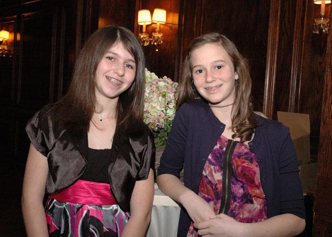 D9_Ashley-and-Anna